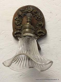 Oggettistica d`epoca - Lampadari e lampade - Antica applique con ghirlanda Applique liberty con fiocco - Immagine n°1