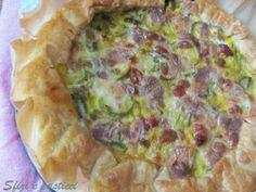 Torta salata con porri e zucchine, foto 1 Strudel, Quiche, Antipasto, Cooking Time, Finger Foods, Food Inspiration, Italian Recipes, Feel Good, Zucchini