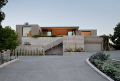 House in San Anselmo by Robert Stiles Architecture Designed by Robert Stiles Architecture, this contemporary private residence is situated in San Anselmo, California, United States.