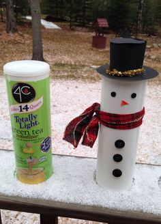 DIY snowman craft out of a drink mix container! Fill it with cookies or candy for a gift. #winter #christmas #gifts