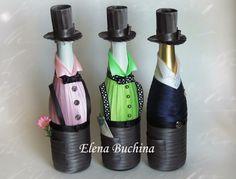 Gentlemen decorated bottles Recycled Glass Bottles, Painted Wine Bottles, Decorated Bottles, Wine Bottle Design, Wine Bottle Art, Bottle Lamps, Whiskey Bottle Crafts, Wine Bottle Covers, Wedding Bottles