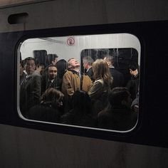 Take a look at this modern photojournalism that accidentally looks like Renaissance Paintings. These awesome pictures nailed the Renaissance art look, and they weren't everything. Renaissance Paintings, Renaissance Art, Film Photography, Street Photography, Nostalgia Photography, Framing Photography, Photography Lighting, Documentary Photography, Urban Photography