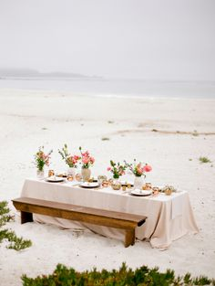Tablescape on the Beach | photography by http://majestapatterson.com/