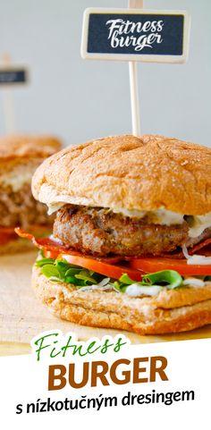 Fitness hamburger s nízkotučným domácím dresingem Fitness, Hamburger, Chicken, Healthy, Ethnic Recipes, Food, Diet, Essen, Recipies