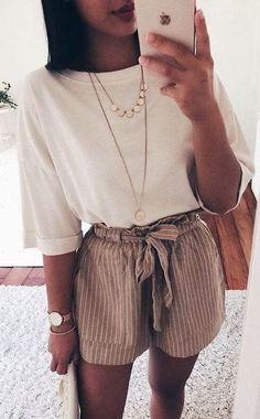 42 Comfy Street Style Looks That Make You Look Cool 11 ways to wear beige clothes without getting lost in color Calvin Klein Ckj 026 Slim Jeans 3332 Calvin Klein Kind People Tee Spring / Summer Best spring outfits 2019 best spring outfits Mode Rock … Trendy Summer Outfits, Spring Outfits, Casual Outfits, Tumblr Summer Outfits, Summer Ootd, Casual Dresses, Travel Ootd Summer, Cute Summer Clothes, Outfits For Girls