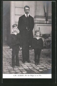 alte AK König Albert von Belgien mit seinen Söhnen in Matrosenanzügen