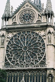 Geometric Design of a Rose Window, Notre Dame de Paris, France..would make a great crop circle design and with it immediate identity leading to the famous Notre Dame window would explain the crop circles hidden link.