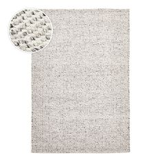 Vaasa is a grey flatweave, handmade in India with soft felted wool woven & hand-knotted through cotton. While inspired by a contemporary Scandinavian look, this range of wool rugs has been constructed using ancient looming techniques.