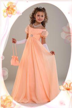 Коллекция детских платьев