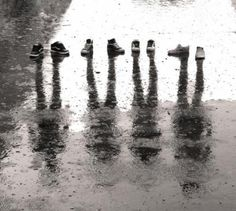 shoes in the rain, lovin the black and white here