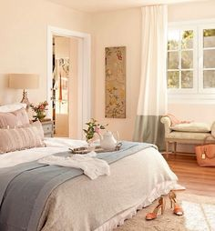 Shabby Chic Home Interiors – Decorating Tips For All Dream Bedroom, Home Bedroom, Bedroom Decor, Luxury Homes Interior, Home Interior Design, Interior Ideas, Classic Home Decor, Shabby Chic Bedrooms, Beautiful Bedrooms