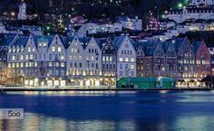 Photo Bryggen Bergen by Rune Hansen on Bergen, San Francisco Skyline, Norway, New York Skyline, Scandinavian, Cool Photos, Beautiful Places, Mansions, Architecture