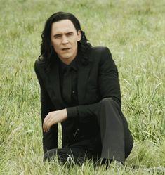 Loki/Hiddles/Thorki/Frostiron centric MY GIFS - all of them are located at bahboringsite Loki Marvel, Loki Thor, Tom Hiddleston Loki, Loki Laufeyson, Marvel Comics, Thomas William Hiddleston, Marvel Funny, Loki Gif, Rpg Hogwarts