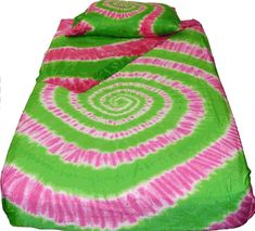 Pink and Green Spiral Tie Dye Sheet Set. The very popular combination of pink and green create an awesome swirl tie dye sheet set. Dyed on high quality 300 thread count all cotton material these sheets will dress up any room. Tie Dye Bedding, Linen Bedding, Bed Linens, Tie Dye Sheets, Spiral Tie Dye, Princess And The Pea, Green Home Decor, Twin Sheets, King Comforter Sets