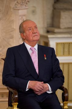 King Juan Carlos of Spain is abdicating the throne after a 39 year reign and hands the throne to his son Prince Felipe of Spain who will be sworn on June 19, 2014 ahead of a joint session of parliament.