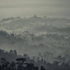 Borobodur, Dawn / Hengki Koentjoro via Flickr