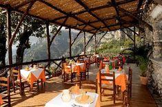 main area of la Tagliata Restaurant in Positano, Italy