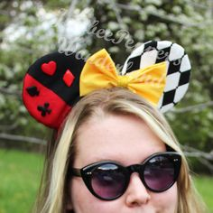 Items similar to Queen Of Hearts ears Alice in Wonderland mouse ears card suits red harlequin sparkles disney trip vacation Red Queen headband ears on Etsy Diy Disney Ears, Disney Mickey Ears, Disney Bows, Disney Diy, Cute Disney, Disney Outfits, Disney Trips, Disney Style, Mickey Mouse