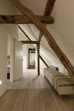 Home Interior Design, Interior And Exterior, Future House, My House, Hallway Designs, Attic Rooms, Cottage Interiors, Cottage Design, Interiores Design