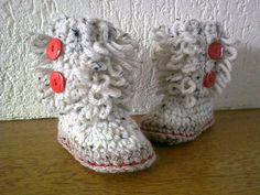 "Free pattern for ""Loopy Baby Booties""!"