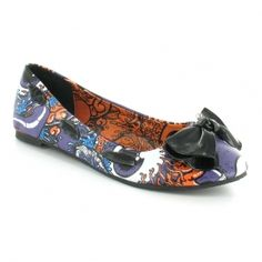 i love these shoes they would go great with a pair of jeans and black v neck t-shirt