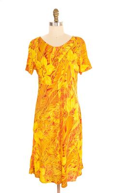 Hilo Hattie Yellow Hawaiian Print Dress Size Medium | ClosetDash #fashion #style #dresses