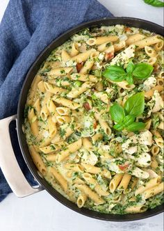 match og denne one pot pasta med kylling smager Healthy One Pot Meals, Easy One Pot Meals, Healthy Dinner Recipes, Healthy Food, Raw Food Recipes, Italian Recipes, Cooking Recipes, Sauce Pizza, Food Crush