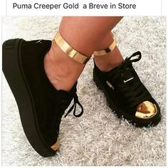 shoes puma black black and gold black sneakers creepers Dream Shoes, Pumas Shoes, Shoes Sneakers, Black Sneakers, Platform Sneakers, Cute Shoes, Me Too Shoes, Sneakers Fashion, Slippers