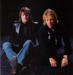 Jon Bon Jovi & Richie Sambora - early 2000's, Jon wearing wedding ring