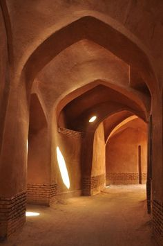 The largest city with mudbrick architecture is certainly Yazd with a population of over half a million. Persian Architecture, Art And Architecture, Cultural Architecture, Architecture Magazines, Architectural Digest, Iran Tourism, Iran Travel, Tadelakt, Islamic Art