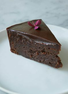 Brownie with chocolate fudge – nytårsdessert Chocolate Peanut Butter Brownies, My Dessert, Desert Recipes, No Bake Desserts, Let Them Eat Cake, Yummy Cakes, Cake Recipes, Sweet Treats, Sweets