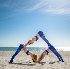 Yoga Techniques And Strategies For yoga poses for two people 3 People Yoga Poses, Three Person Yoga Poses, Group Yoga Poses, Acro Yoga Poses, Partner Yoga Poses, Yoga Poses For Two, Yoga Fitness, Physical Fitness, Fitness Workouts