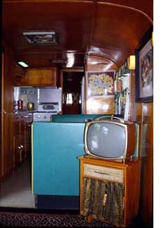 Spartan Trailer / birch interior