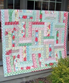 Google Image Result for http://www.quiltpatterndesign.com/wp-content/uploads/2011/11/IrishroseDSCF0175_edited.jpg