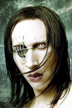Marilyn Manson Art, Alternative Metal, Stay Weird, Classic Monsters, Les Miserables, Golden Age Of Hollywood, Dark Art, Horror Movies, Music Artists