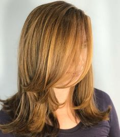 Chin-Length Layers for Shoulder-Length Hair Mid Length Hair With Layers, Layered Thick Hair, Shoulder Length Hair Cuts With Layers, Thin Hair, Wavy Hair, Hairstyles For Layered Hair, Layered Haircuts For Women, Hairstyles Haircuts, Wedding Hairstyles