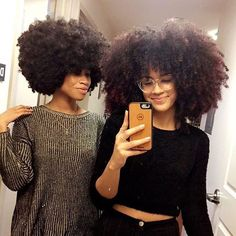 #Repost @alannanicolex ・・・ bad quality photo and a gross mirror but my fro sister finally came to see me so whatevs 💕💕💕💕💕 #myhaircrush