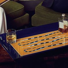 Luxury lacquered tray | KINGMAKER | Whisky view | CÔCO GIN | Serving tray | Luxury | BUTLERS TRAY