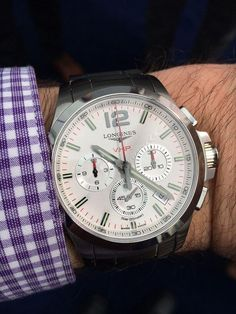 Longines Conquest V.H.P. Chronograph (Ref. L3.727.4.76) with silvered dial. More @ http://www.watchtime.com/wristwatch-industry-news/watches/longines-conquest-v-h-p-a-new-quartz-revolution/ #longines #watchtime