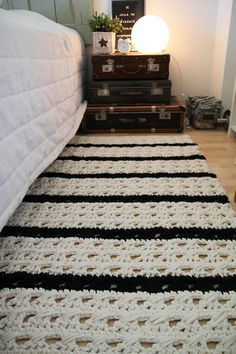 Crochet twine rug in bedroom environment decorated black and white listWith only a month until it's officially autumn, there's no better time than now to prep for chilly weather with DIY crochet essentials for the home.Simple Crochet Patterns for Beg Crochet Doily Rug, Crochet Carpet, Crochet Motifs, Diy Crochet, Beige Carpet, Diy Carpet, Rugs On Carpet, Crochet Patterns For Beginners, Easy Crochet Patterns