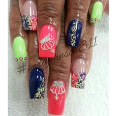 This set is so creative and neat courtesy of @kerajohnson311 from @Cherry's NailBar thanks for sharing these nails with @MyPretty Pieces ... glad to see that you put those crowns to great use!! We appreciate you as our customer