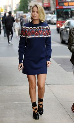 Lara Bingle is cozy in Louis Vuitton sweater dress and ankle boots. Source by WhoWhatWear Dresses Ankle Boots Dress, Dress With Boots, Sweater Dress Outfit, Dress Outfits, Sweater Dresses, Casual Winter Outfits, Summer Outfits, Louis Vuitton Sweater, Fall Fashion Skirts