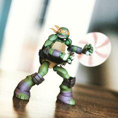 Chucks.  #TMNT #toys #teenagemutantninjaturtles #tmnt2k12 #ninjaturtles #ninjaturtleposes #revoltech #mikey #michealangelo