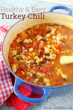 The most flavorful, delicious Healthy Turkey Chili Recipe out there! Made with lean ground turkey, bell peppers, beans and a few other ingredients, this is definitely the best Turkey Chili Recipe I've ever made! Tomato Soup Recipes, Chili Recipes, Turkey Recipes, Healthy Recipes, Healthy Options, Healthy Food, Healthy Eating, Veggie Chili, Turkey Chili