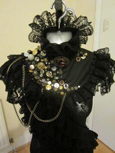 heart same steampunk earrings Steampunk Makeup, Steampunk Earrings, Steampunk Gears, Steampunk Cosplay, Steampunk Fashion, Gothic Fashion, Victorian Fashion, Women's Fashion, Stage Beauty