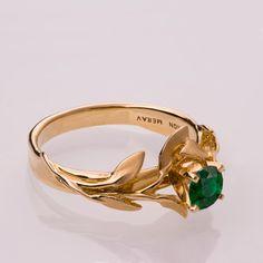 14K Gold und emerald Verlobungsring und ein Gold von doronmerav