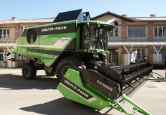 DeutzFahr C9205 TS B combine #harvester with stylish Giugiaro design! Find more models of Deutz-Fahr #combine harvesters at http://www.agriaffaires.co.uk/used/combine-harvester/1/3904/deutz-fahr.html