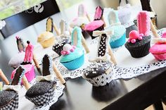The secret to making a perfect simple high heel cupcakes. Perfect for a princess birthday party, girls night out, bachelorette party. High Heel Cupcakes, Shoe Cupcakes, Mini Cupcakes, Cupcake Cakes, Fun Cakes, Stiletto Cupcakes, Yummy Cakes, Passion Parties, Party Time