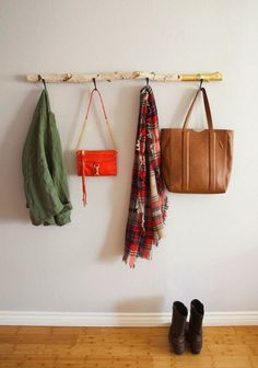 60 simple creative ideas to use wood branches into your home decoration