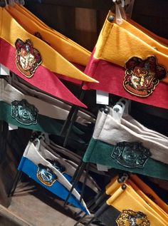 Wizarding World of Harry Potter: Souvenir Shops, Universal Studios  #harrypotter #souvenirs #quidditch